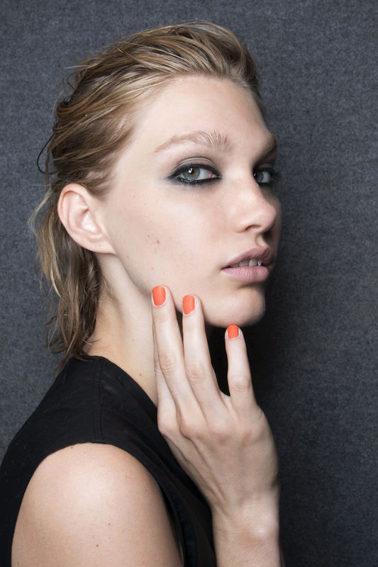 http://glazurmag.ru/images/manicure-ss14/manicure-trendy-wiosna-lato-2014-just-cavalli-fot-imaxtree.jpg