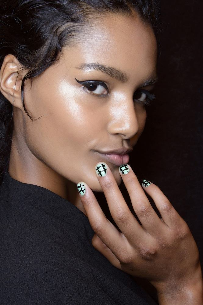 http://glazurmag.ru/images/manicure-ss14/tracy_reese_emn_s14_012.jpg